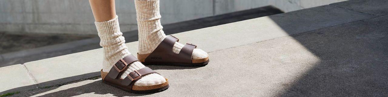 Socken sandalen und Sandalen und